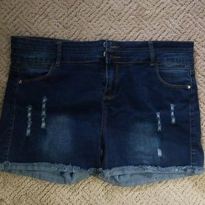 NWOT Jeans shorts size 18